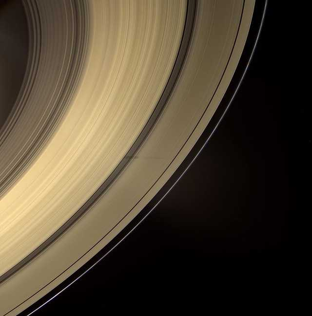 фото колец Сатурна