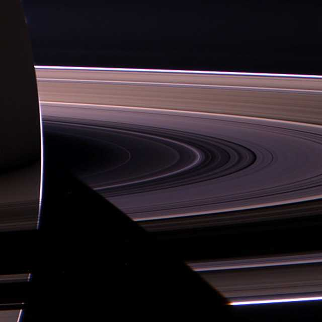 снимок колец Сатурна